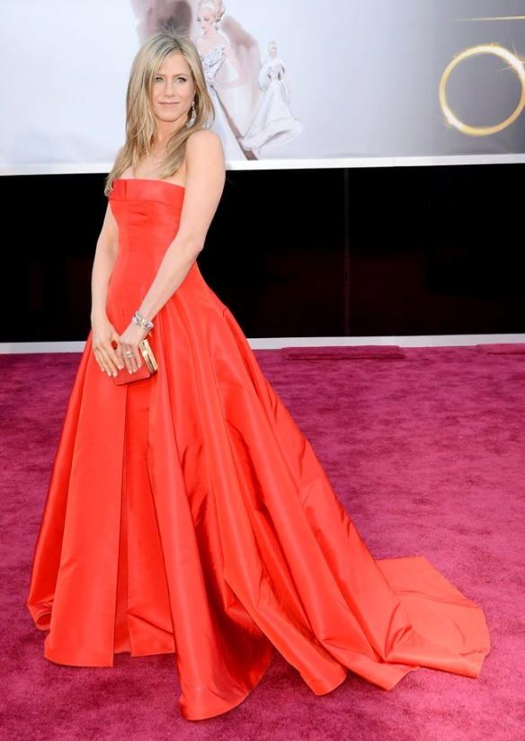 Jennifer Aniston de Valentino Couture