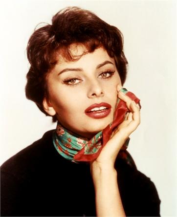 mid 1950s --- Sophia Loren --- Image by © CinemaPhoto/CORBIS