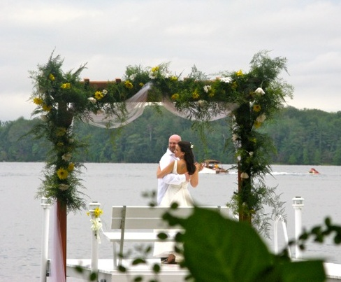 Bob-Z-wedding-flowers-garland-2-11